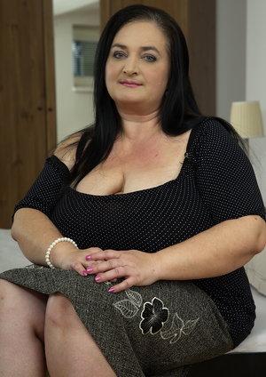 Big breasted mature bbw porn getting it POV style