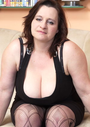 Big breasted mama sucking and fucking hard bbw porn stars