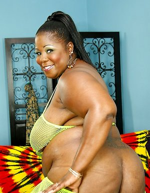 Black slut with giant tits sucking cock and getting passion bbw