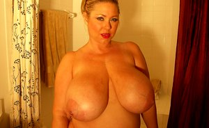 Busty plumper Samantha 38G playing in bbw ass tube