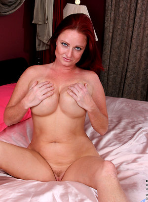Curvy cougar Sandi Lymm teases her cock craving naked body big tits bbw