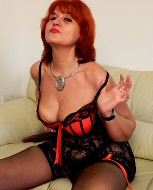 Horny red mature slut playing with her bbw babes