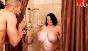 Shower Fuck bbw pregnant